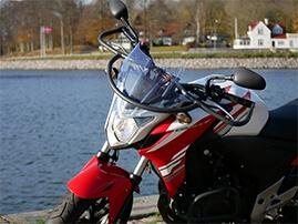 rød motorcykel